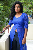 Gayatri sizzling photo shoot-thumbnail-10