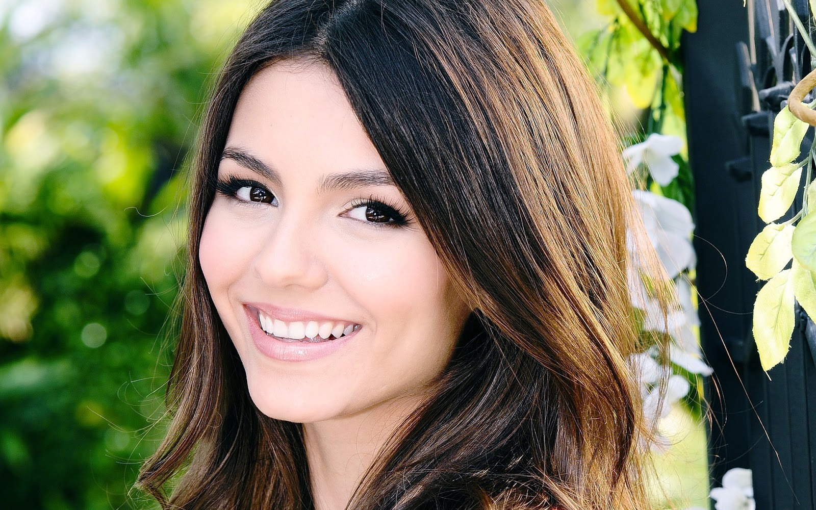 Cute Actress Wallpapers Download Victoria Justice Hd Wallpapers Hd Wallpapers