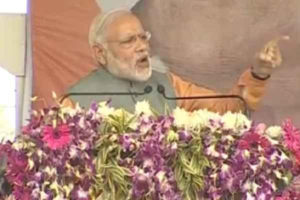 pm-narendra-modi-gandhinagar-rally-gujarat-gaurav-yatra-end
