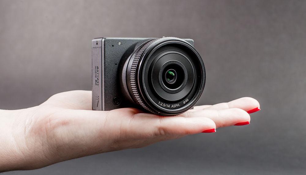 Камера Z Camera E1 помещается на ладони