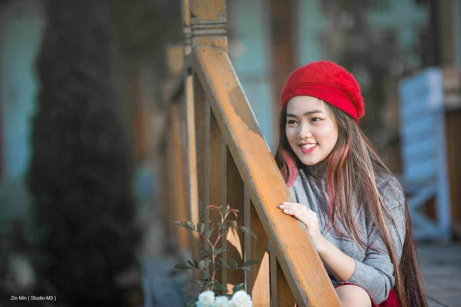 Myanmar Cute Actress Yoon Yoon Holiday Fashion