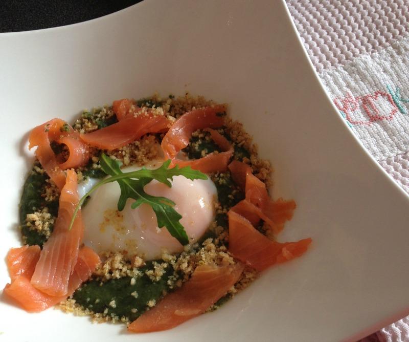 La cuisine & Claudine: Crème de roquette, œuf poché et truite fumée