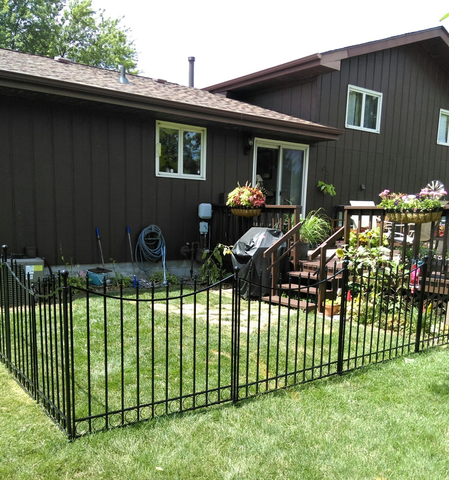how to put up a fence for dogs