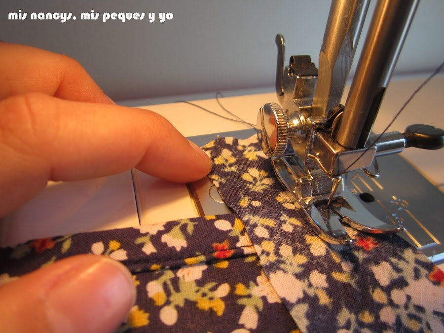 mis nancys, mis peques y yo, tutorial blusa sin mangas niña (patrón gratis), coser bies cuello