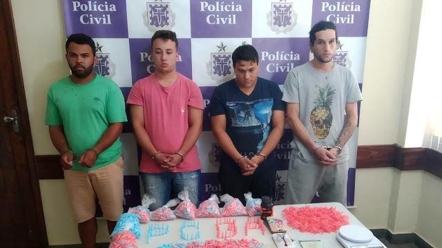 Polícia apreende cocaína avaliada em R$ 125 mil e prende quatro suspeitos
