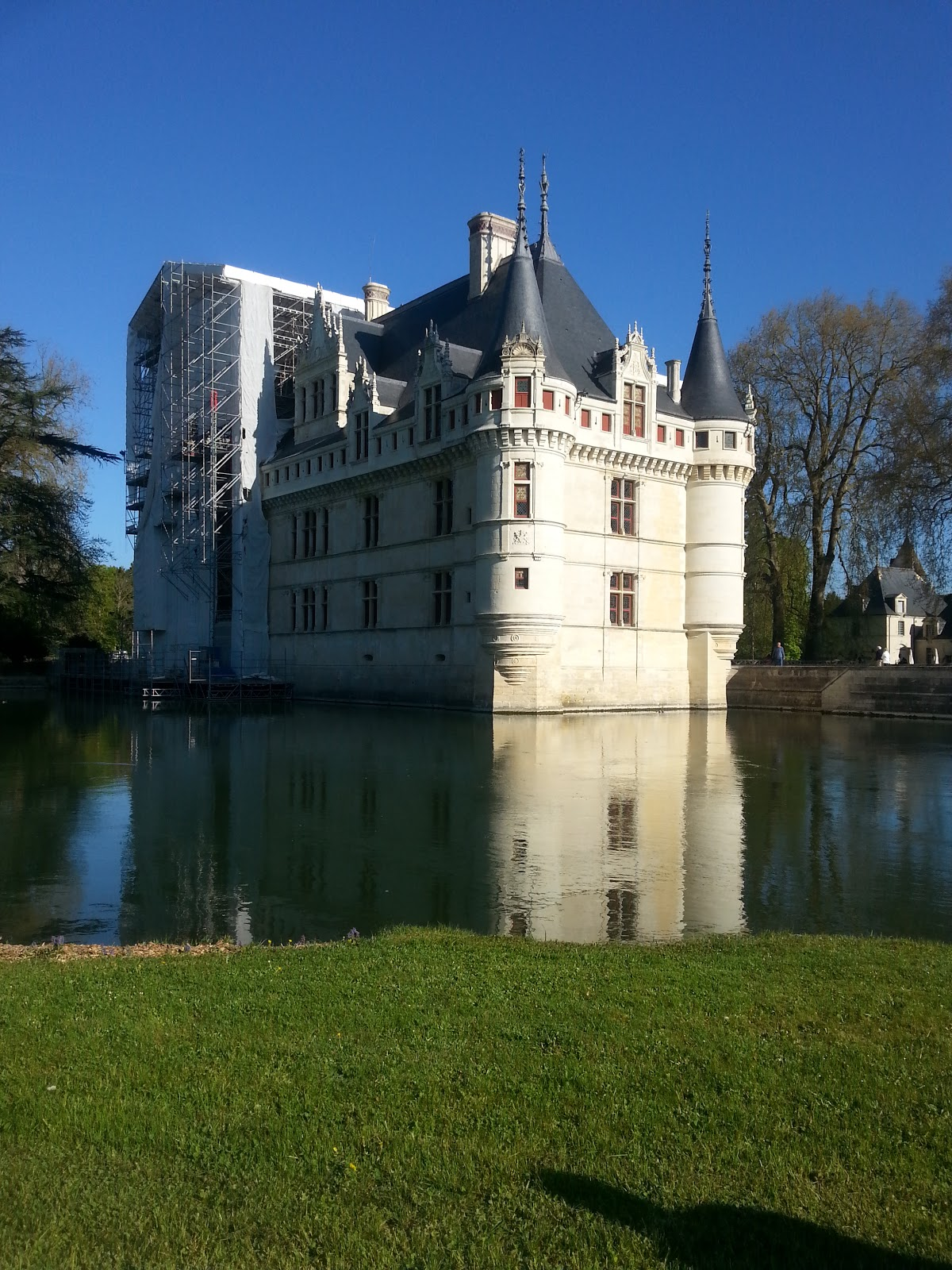 time to stitch chambord and chateau d 39 azay le rideau. Black Bedroom Furniture Sets. Home Design Ideas