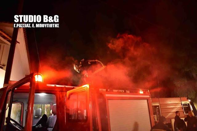 Κινητοποίηση της πυροσβεστικής στο Άργος για πυρκαγιά σε μπαλκόνι διαμερίσματος