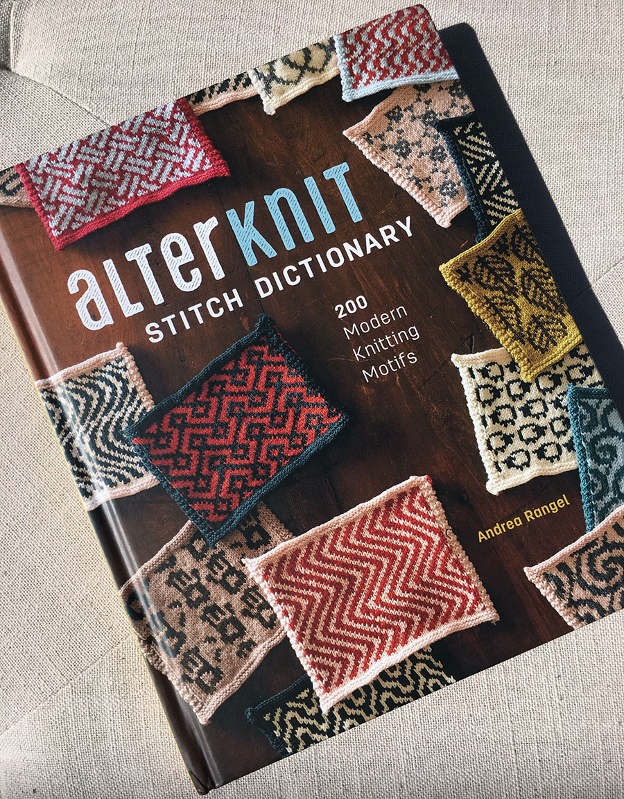 Alterknit Stitch Dictionary by Andrea Rangel, reviewed by blogger Dayana Knits