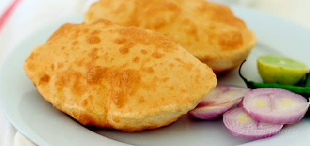 http://www.indianlazizkhana.com/2016/06/aloo-bhature-recipes-in-hindi.html