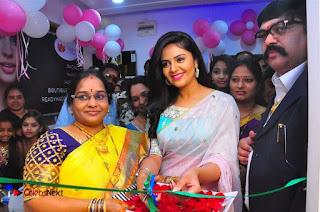 Sreemukhi Launches Manvis Saloon  0041.jpg