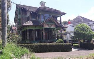 Villa Untuk Makrab Lembang bandung muat banyak