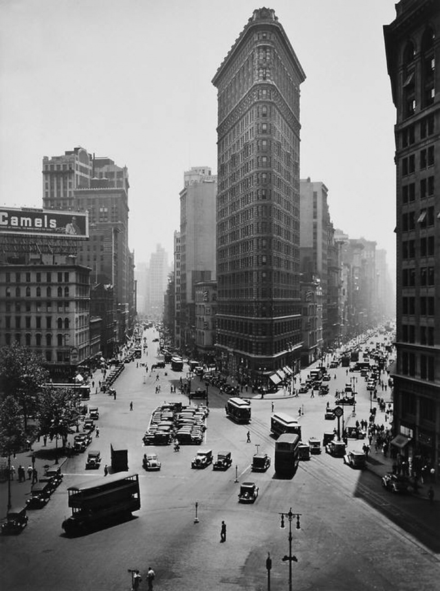 A deep look into architecture and urban design of new york for Architecture 1930
