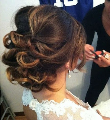 Beautiful-bridal-updo-hairstyles-to-showcase-your-personality-5