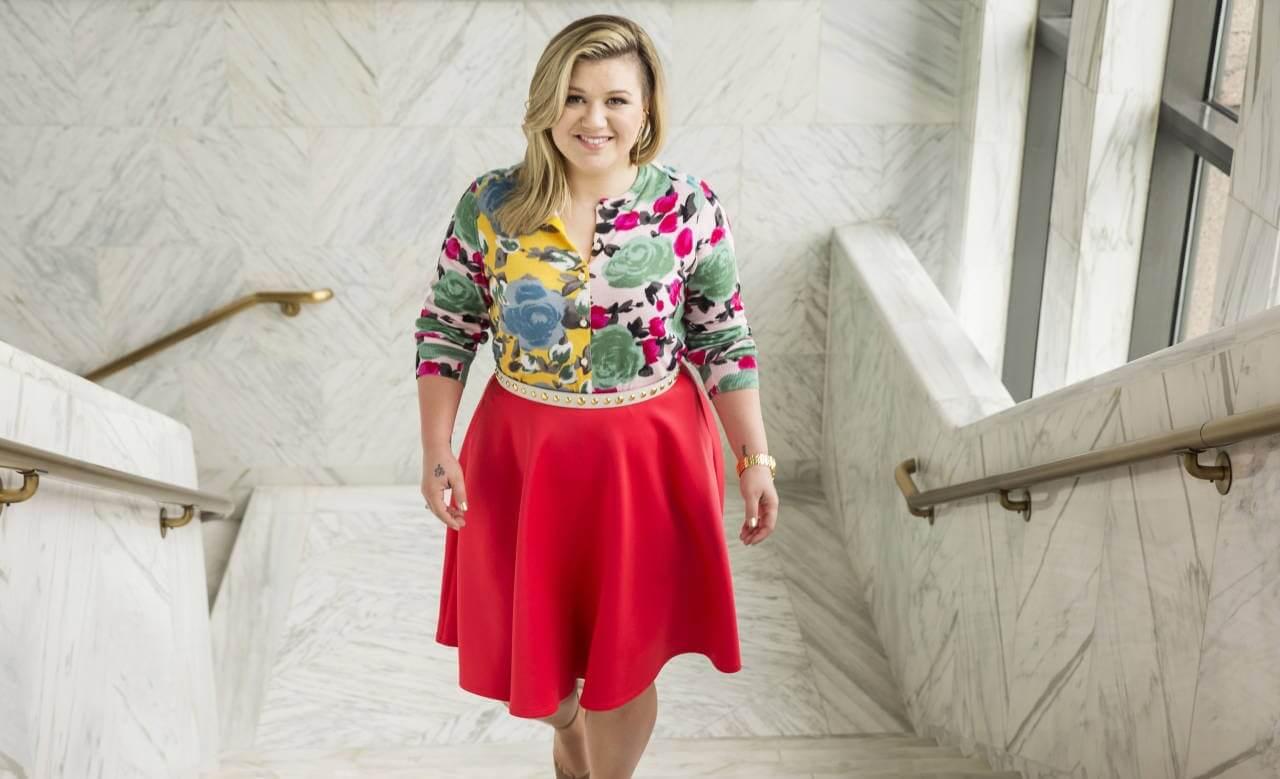 Kelly Clarkson habla sobre su nuevo álbum de estudio