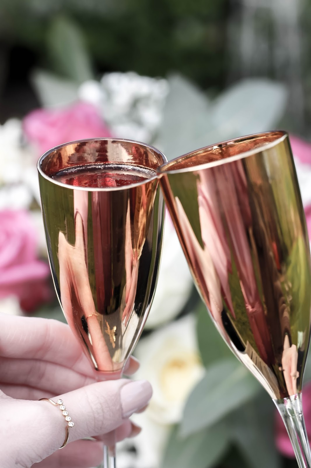 Cheers with Luxurious Gold Metallic Flutes
