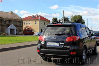 Автомобиль на российских номерах в Ивье