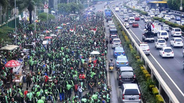 Pengemudi Gelar Demo, Ancam Usir Grab dan Gojek dari Indonesia