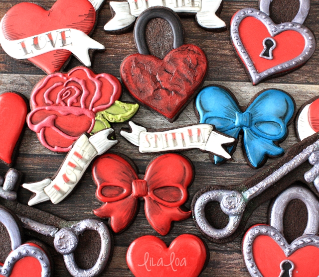 Valentine's Day cookie decorating -- tattoo style padlock heart sugar cookies