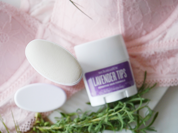 Schmidt's Natural Deodorant Lavender Tips Sensitive Skin Formula texture