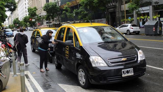 Gorjetas nos táxis argentinos