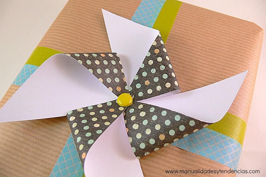 Molinillo de viento de papel decorativo