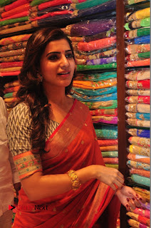 Actress Samantha Pictures in Saree at South India Shoping Mall Launch 0305