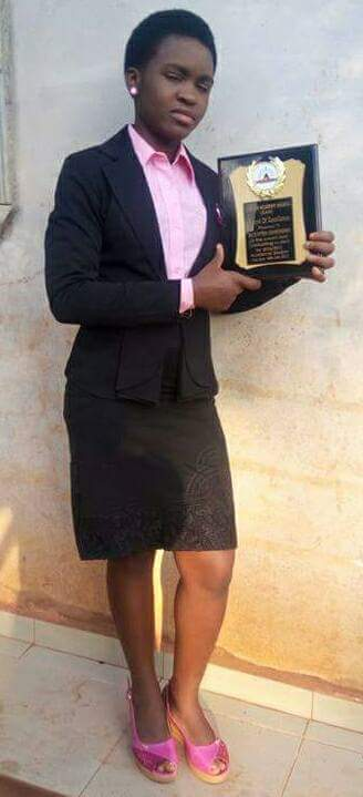 Twitter-users-raise-over-N400000-for-Enugu-girl-who-bagged-all-As-in-her-WAEC