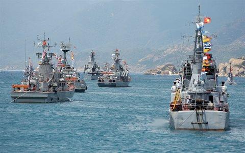 Tàu hộ vệ tên lửa 015 – Trần Hưng Đạo trong lễ duyệt binh tại Jeju – Hàn Quốc