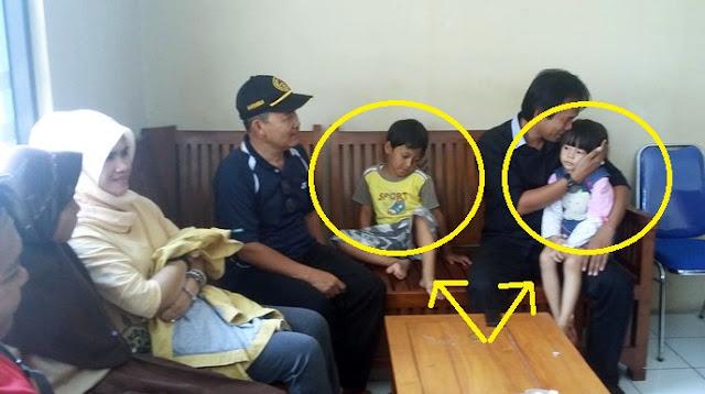 2 Anak Sengaja Ditinggal Orangtuanya di Masjid, Dibekali Surat Wasiat Dan Uang Segini