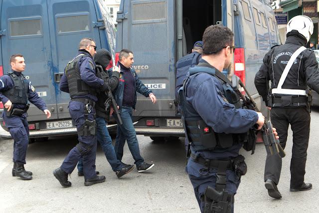 Συνελήφθησαν δύο άτομα για ληστεία σε βάρος ηλικιωμένης