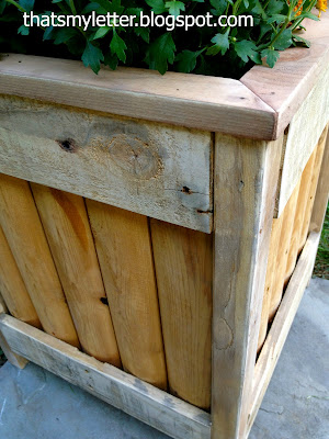 diy planter using pallet and scrap fence piece detail