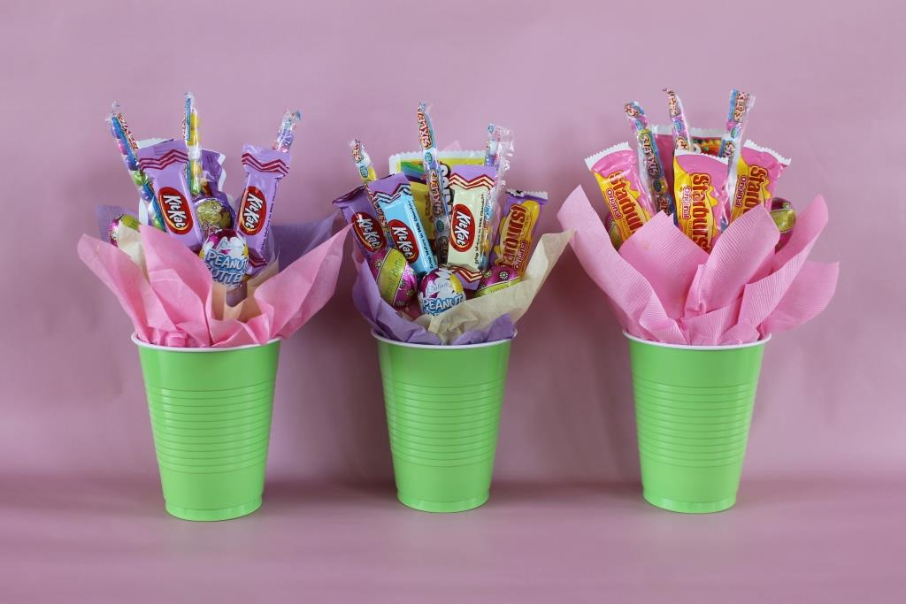 Making Small Candy Bouquets