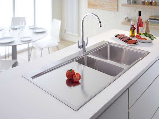 Wastafel atau daerah basuh piring yaitu salah satu  40 Model Wastafel  Minimalis Terbaru 2018