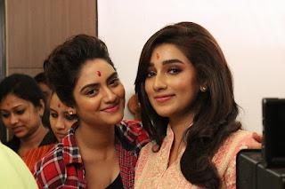 Nusrat Jahan Indian Bengali Actress Biography, Hot Photos With Actress Sayantika Banerjee