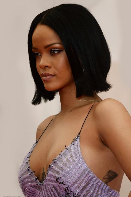 Sexy Rihanna Tattoos Under Boob