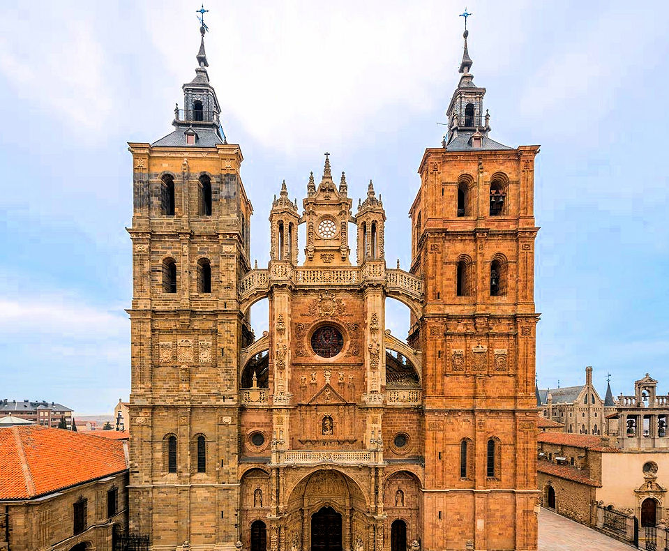 Astorga's Santa Maria de Astorga Cathedral. Photo: © CatedralAstorga.com. Unauthorized use is prohibited.
