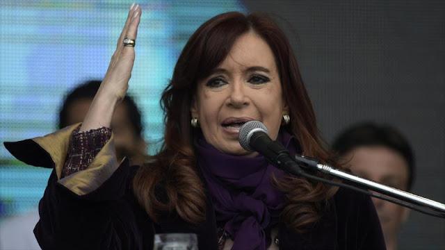 """Fernández denuncia un """"grave atentado"""" de Macri contra su seguridad"""