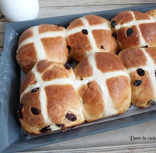 https://danslacuisinedhilary.blogspot.com/2016/03/hot-cross-buns-brioches-de-paques.html