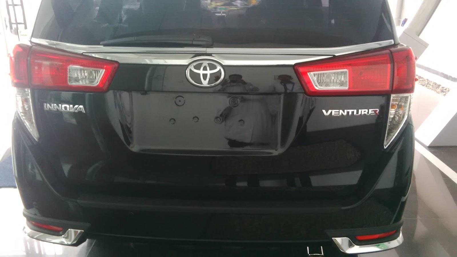 perbedaan new innova dan venturer tanduk depan grand veloz toyota kijang 2017 otomotif indonesia menggunakan aksen over fender beberapa krom menghiasi bodi peleknya juga pakai desain baru dengan dilabur kelir hitam