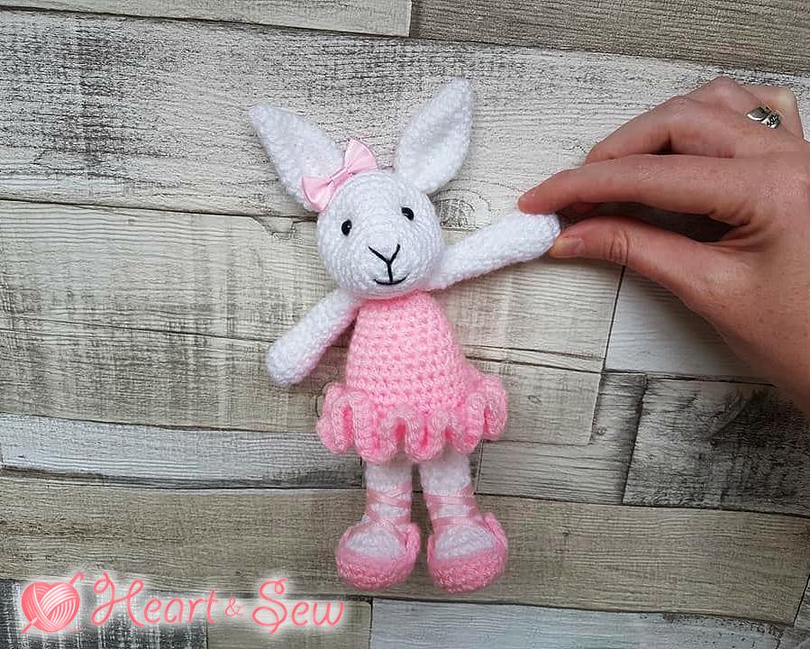 Free Ballerina Doll amigurumi crochet pattern ⋆ Crochet Kingdom | 720x899