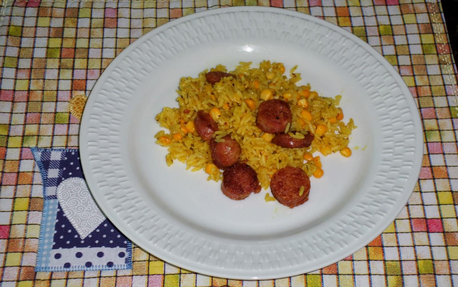 arroz frito com linguiça e milho