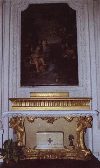 https://2.bp.blogspot.com/-aVMkPvaXjBM/Td2ZCsM9DTI/AAAAAAAACqc/y766A3NaGDc/s640/Igreja+de+San+Carlino%252C+altar+das+reliquias.jpg