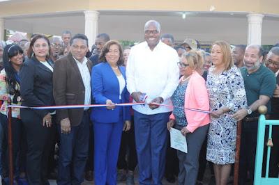ASDE entrega renovado parque Juan Pablo II de la avenida Venezuela