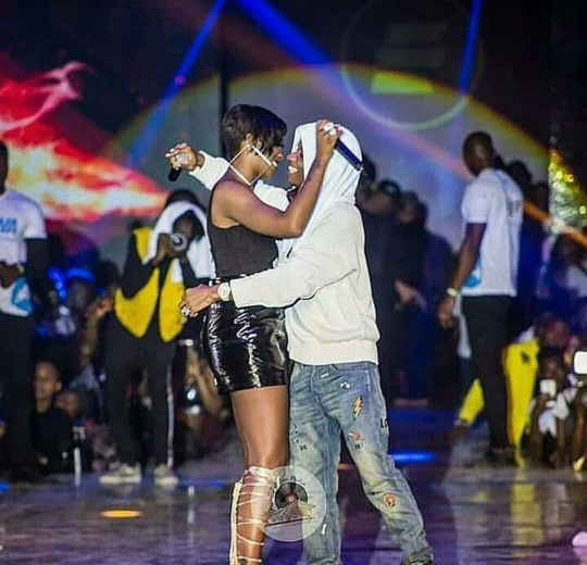 Wizkid And Tiwa Savage Performs Together In Ghana On Stage