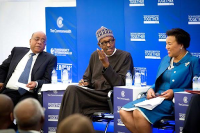 president Buhari points at the Commonwealth Anti-corruption summit