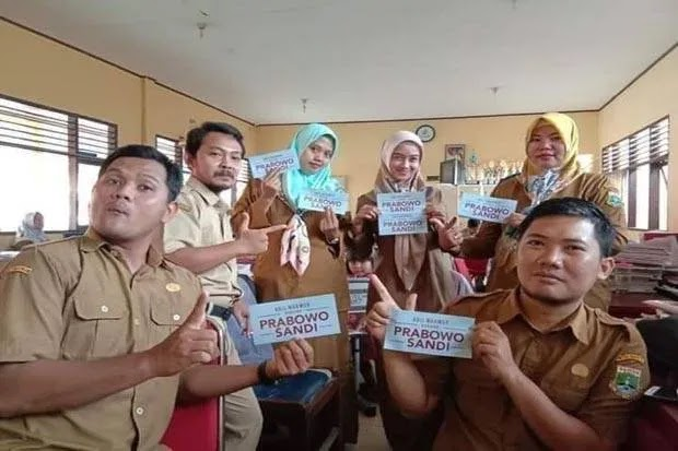 Enam Guru Honorer yang Dipecat Bertolak Belakang dengan Asas Kemanusiaan