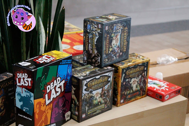 Sporo lekkich i ciekawych tytułów skierowanych do zaawansowanych graczy planszówkowych