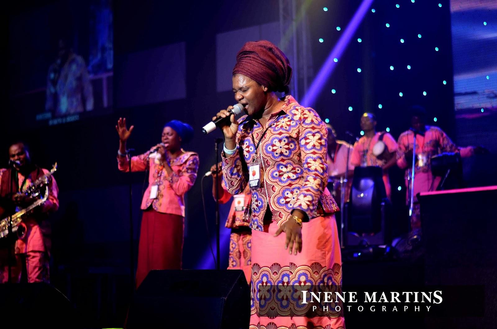INENE MARTINS PHOTOGRAPHY: BUKOLA BEKES PERFORMING LIVE AT