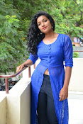 Gayatri sizzling photo shoot-thumbnail-9