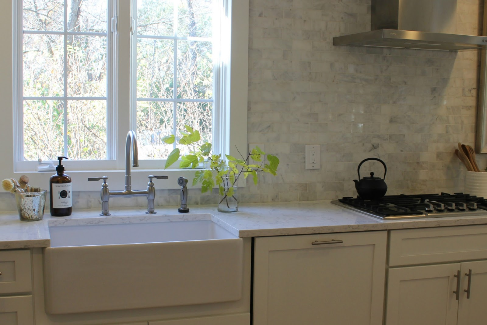hello lovely-white-Shaker-kitchen-Minuet-quartz-tranquil-timeless-apron-farm-sink